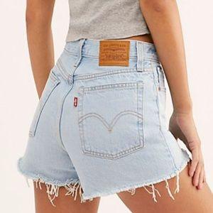 🔥 Levi's High Rise Cut Off Mom Shorts Fray 8 10